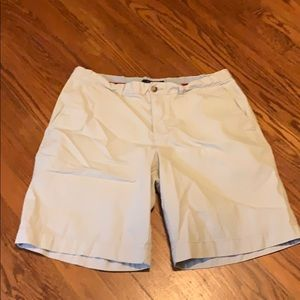 Tommy Hilfiger Khaki Flat Front Shorts, size 36